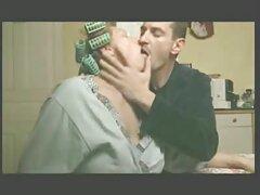 A férfi tele van a szellem a nyugdíjazás egy lány barna hajú a kanapén, majd elkezdett dugni egy szenvedélyes csók gyönyörű házi sex videok test minden intim helyeken. Csókold meg a nyelv fiatal férfi, aki nagyon jó a hüvelyben lédús Borotvált vagina barátnője húzta meg az ujjait, ami a kislány nyögött, mert az emberrablás. Srác a baba álló kakas szopás dolog, nekem hazudni nekem, hogy csúcs az orgazmus.