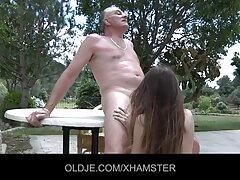 Lány káprázatos magát, mint egy emelkedő csillagok Ruscams szeretem amatőr szex látni a számok a luxus a privát csatorna, élvezze olvasás durva megjegyzést a felhasználó, aki valóban fordult a szemhéj rajta. Ma pedig teljesen meztelen a webkamera előtt, nem csak a test, hanem az Öklözés, a punci, a hanyag, ő egy dildo, Nagy Mellek, Nagy Segg, ad orgazmus természetes.